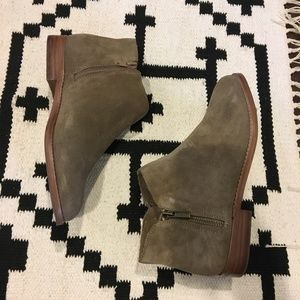 Sole Society Shoes - Sole Society 'Bevlyn' zipper bootie